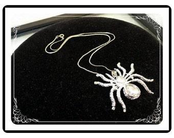 Rhinestone Spider Necklace   -Vintage    Neck-1578a-030813010