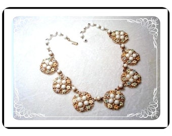 Milkglass Rhinestone Necklace - Perky Summer Flowers    Neck-1213a-40510000