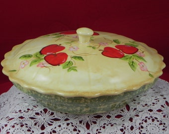 COVERED PIE DISH