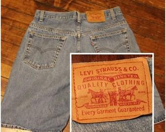 90s Levi's shorts - Levi Strauss denim jean shorts - mens 34