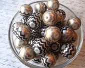 Chevron Stripe Bead, 20mm Black and Gold Bubblegum Bead, 10 pcs, Gumball Bead, Zig Zag Beads, Plastic Bead, Chunky Necklace Bead