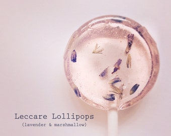 6 Lollipops - Lavender and Marshmallow // Sweet  // Edible Flower Lollipops // Summer  Wedding Favor // Fall Wedding Favor