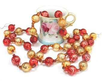 VINTAGE CHRISTMAS GARLAND - Glass Bead Beaded - Very Large Oblong Oval - Gold Red -