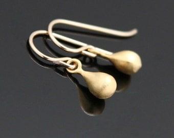 Tiny RAINDROP Earrings, Gold Teardrop Earrings, Petite Gold Earrings.