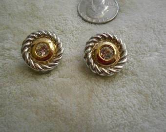 Vtg Clip On Earrings-Very Classy Buttons-C2734