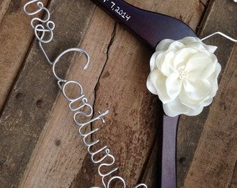 Personalized Hanger with Flower, Wedding Dress Hanger, Custom Bride to Be Hanger, Unique Bridal Shower Gift, Engagement Gift, Wedding Gifts