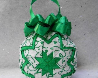Doodle Shamrocks Quilted Ornament - No-sew ornament - Home decor, St Patrick's Day