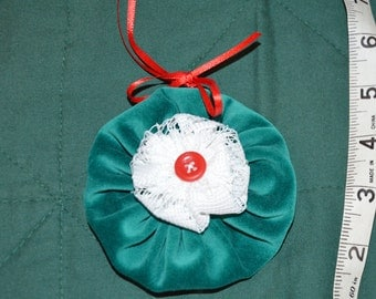 Green Velvet and Lace Fabric Yoyo Christmas Ornament