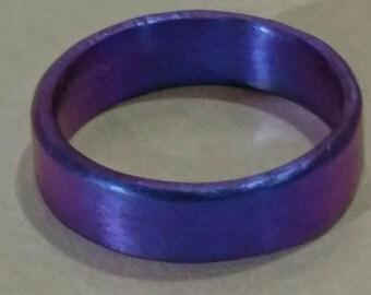 Anodized Niobium Ring Band Purple hammered precious metal hypoallergenic