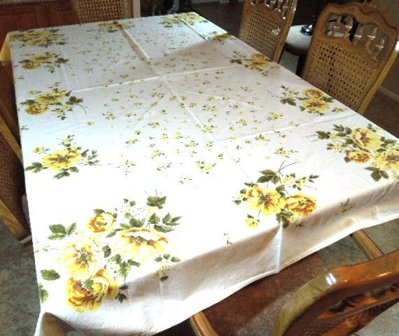 vintage cotton floral table cloth 80 x 60 table by reneesretro. Black Bedroom Furniture Sets. Home Design Ideas
