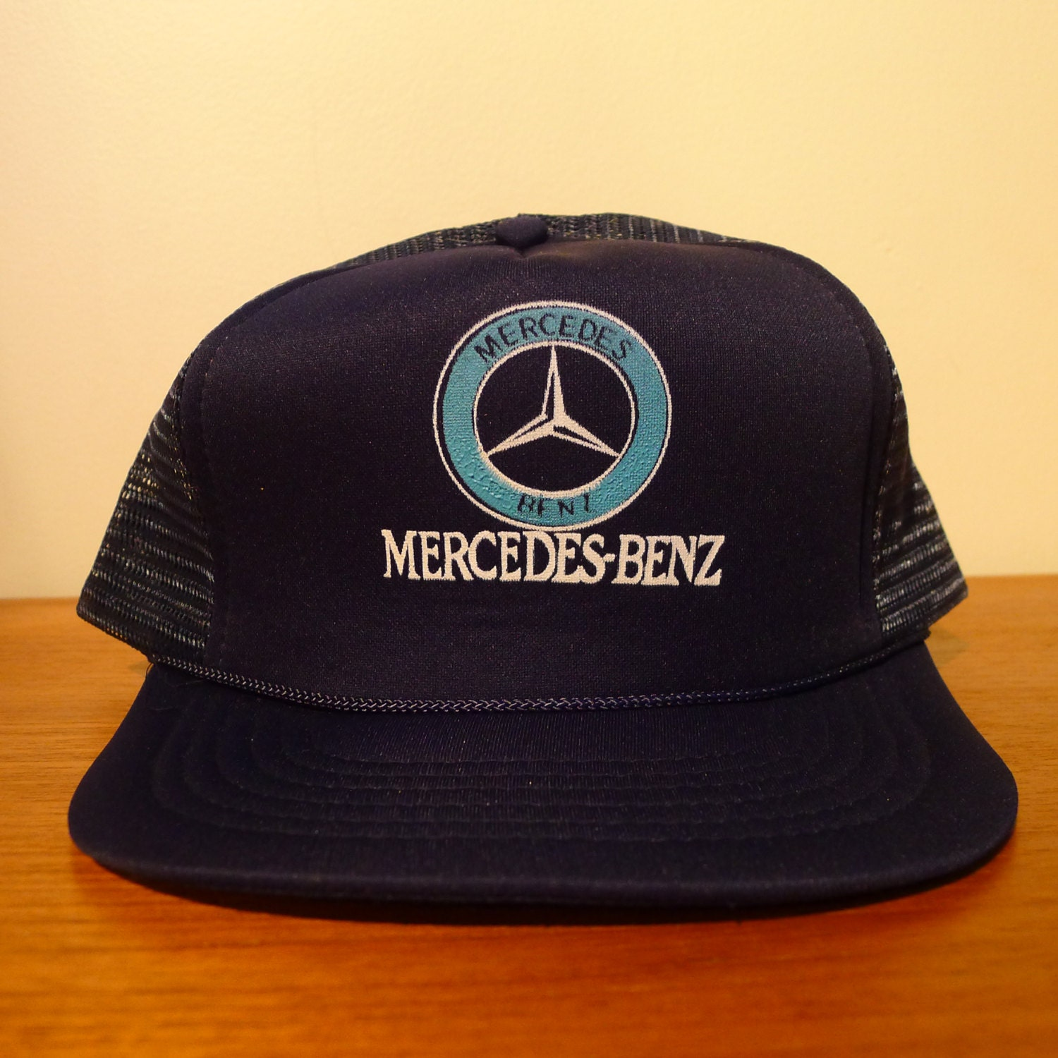 Deadstock mercedes benz hat mesh trucker 80 39 s hip hop for Mercedes benz caps hats