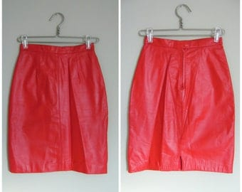 Vintage RED LEATHER PENCIL Skirt/size Xsmall-Small