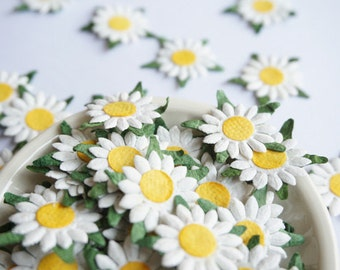 18mm. 40 Flat White Mulberry Paper Daisy Flowers.