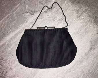 Vintage WALBORG Black Clutch Purse with Chain Handle, Handmade in Hong Kong Great for a Vintage Wedding or an evening out. Great Condition.