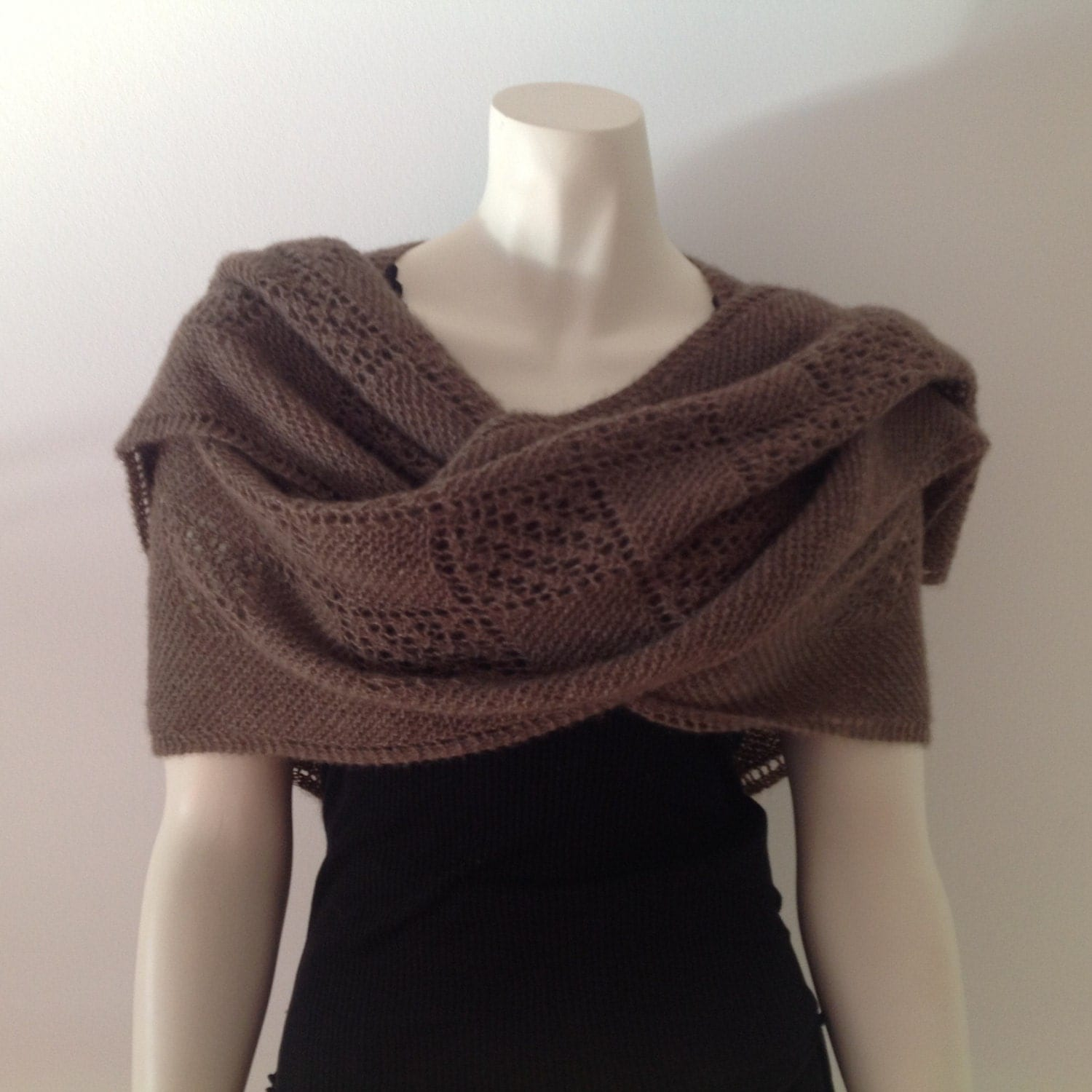 Qiviut Knitting Patterns : QIVIUT shawl hand knitted in lace pattern