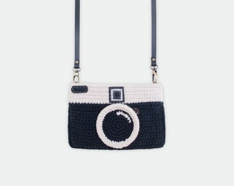 Crochet Vintage Camera Purse/ Black Color