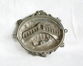 Ponte di Rialto, Grand Canal. Vintage metal dish wall decor ashtray. Venice Italy souvenir. Stone bridge, gondolier. Venezia. Silver Gondola