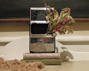 Vintage Two Sided Metal Napkin Holder / Retro Diner Napkin Holder / Tabletop / Industrial / Restaurant Napkin Holder
