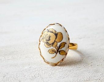 Rose ring / vintage rose ring / upcycled ring / upcycled vintage / rose cabochon ring / vintage glass cabochon / adjustable ring