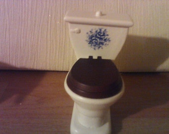 dolls house toilet in white with Blue design dolls house bathroom item 1 12th scale