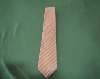 Vintage tie in Yellow and Red From Joseph A. Banks