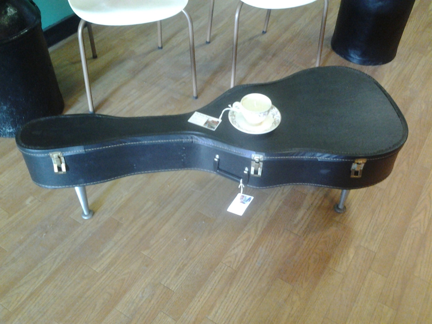 upcycled re purposed guitar case coffee table by therustybucketvt. Black Bedroom Furniture Sets. Home Design Ideas