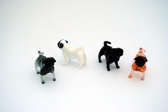 e31-10 Pug (1 Dog per order)