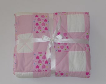 White and pink baby quilt. Free shipping. A nice gift for a newborn baby girl. Crib quilt. A gift for baby shower or for birthday