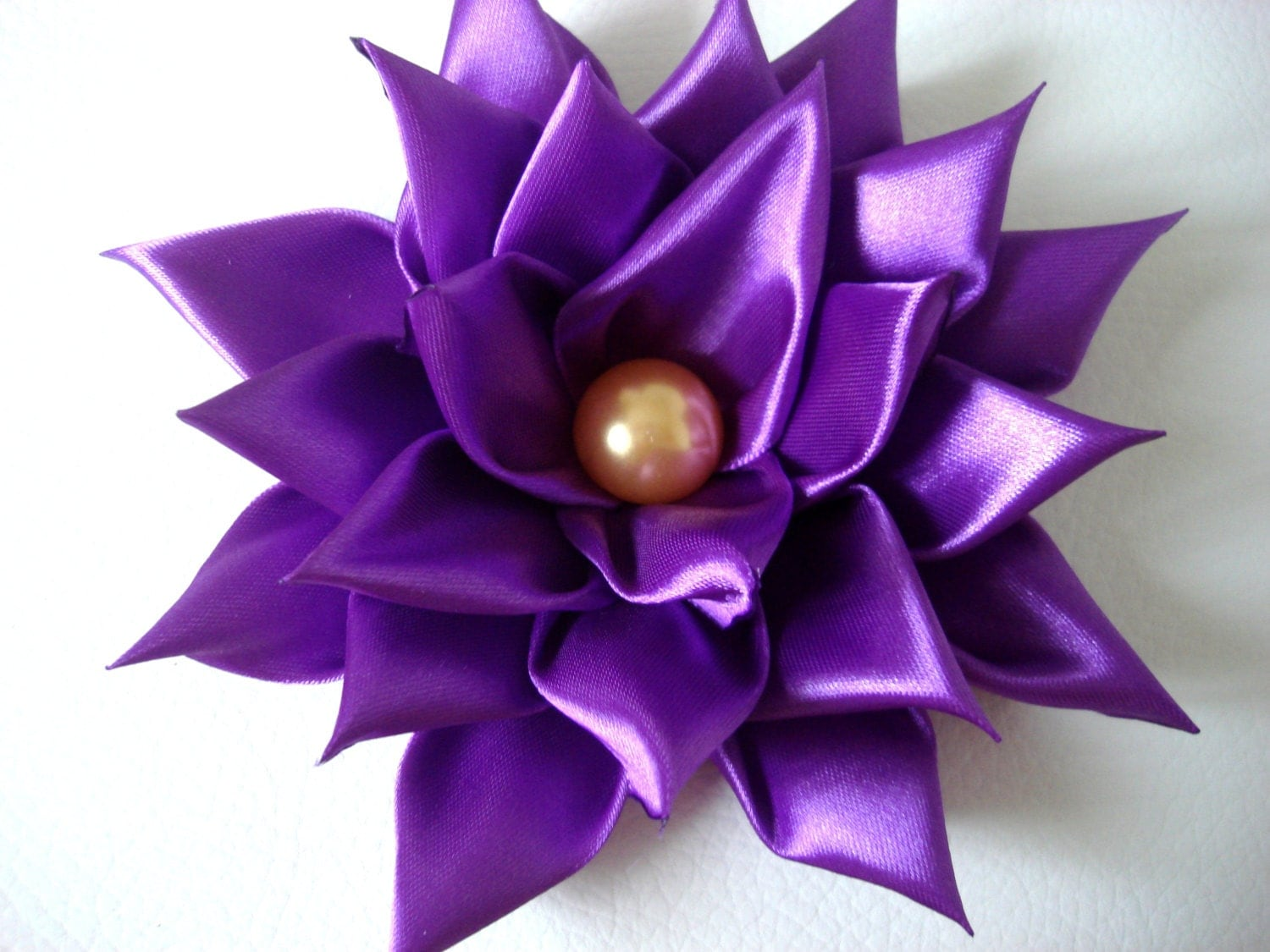 how to make a ribbon flower brooch