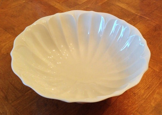 Lenox lotus collection vintage footed centerpiece bowl