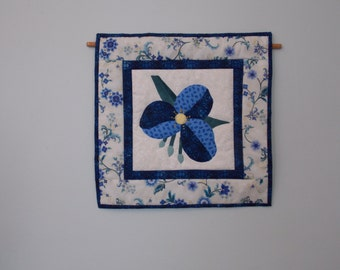 Delightful Floral Mini Wall Quilt