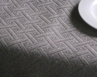 Linen table cloth weaved in geometric rhomb jacquard pattern natural gray linen square table cloth for round table
