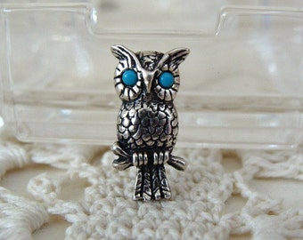 Vintage Miniature Owl Pin