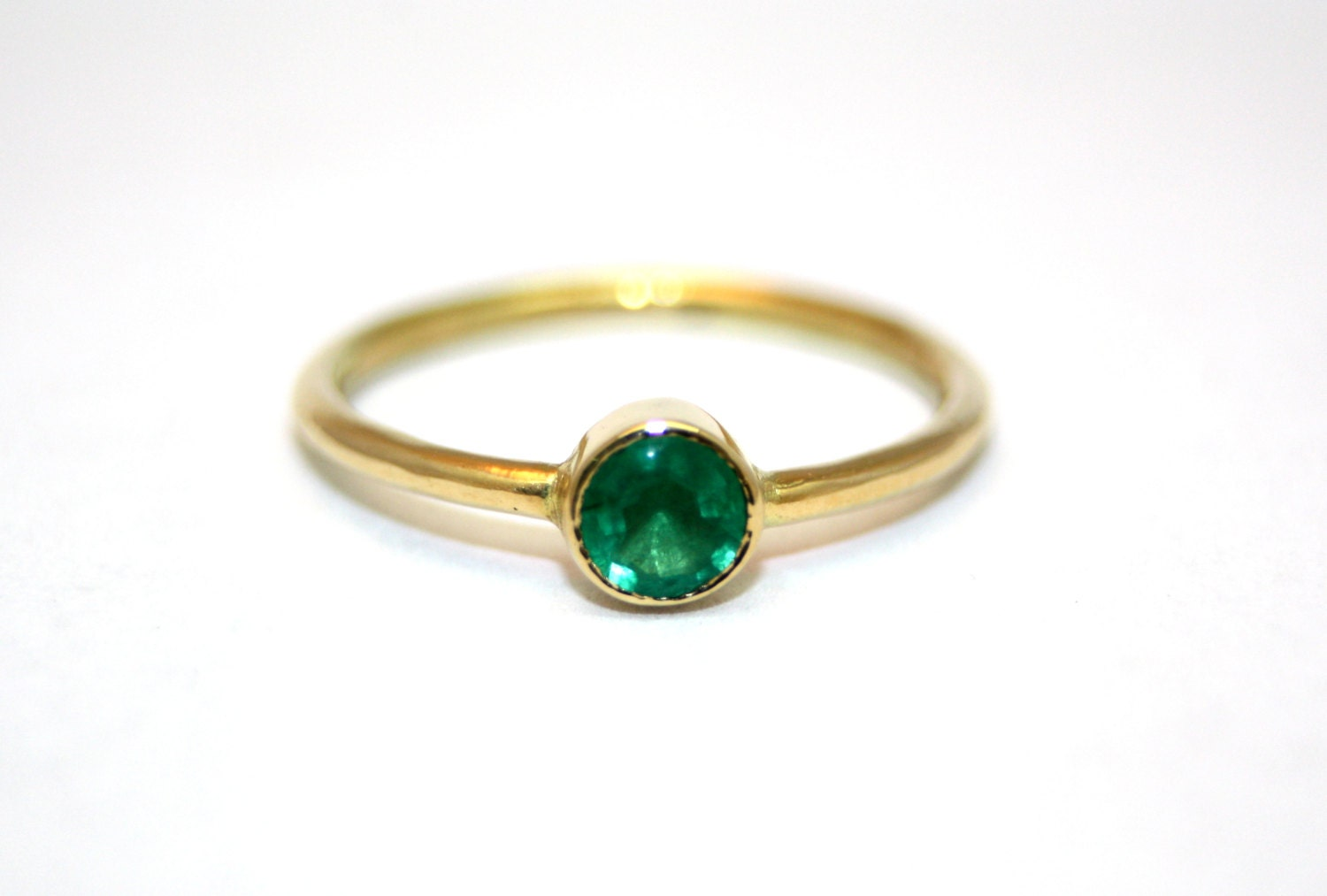 emerald ring simple gold ring delicate by alonijewelry
