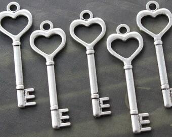30 Heart Skeleton Keys Double sided Antique Silver