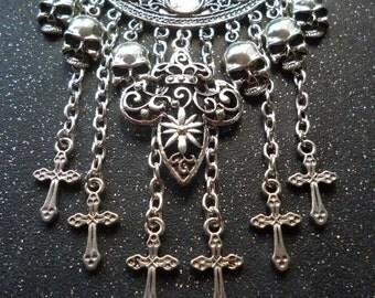 Fleur de Lys necklace ~ Fleur-De-Lis jewellery ~ Medieval pendant ~ Skull necklace ~ Rocker bib necklace
