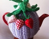 Strawberry Tea Cosy (Fits 4 cup teapot)