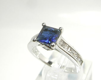 Blue Sapphire 2.15 carat  Princess cut - Solid White Yellow or Rose gold - Diamond Halo Engagement ring -