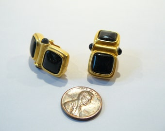 Beautiful Vintage Don Caster Black Glass & Gold Tone Clip Earrings