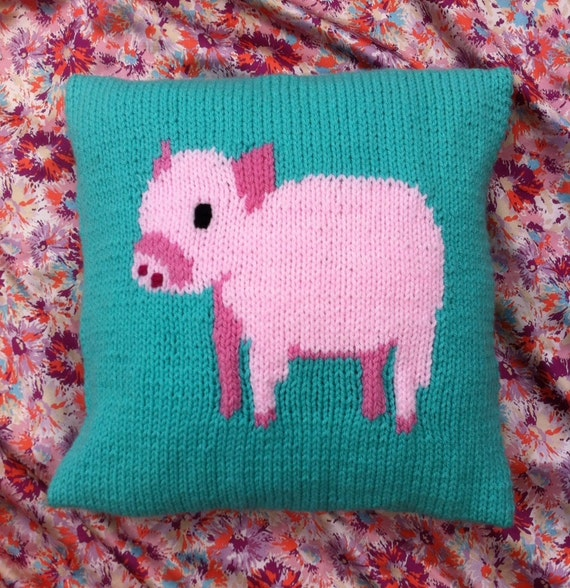 Knitting Needles Norwich : Piglet cushion cover knitting pattern chunky yarn from