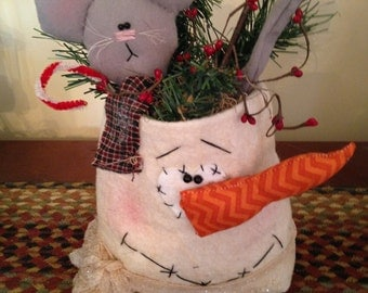 Primitive Winter Christmas Snowman and Mouse Pocket Shelf Sitter, Mantel, Table top Decoration