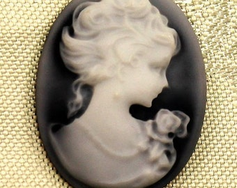 Vintage Style Cameo Cupcake Topper