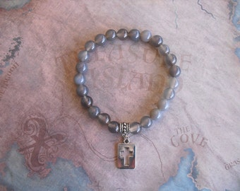 Gray quartz bracelet