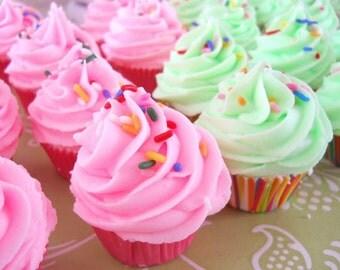 30 Mini Bathbomb Cupcake Party Favors, Unique Bridal Shower Favors, Baby Shower Favors, Kids Party Favors, Wedding Favors, Teen Party Favor