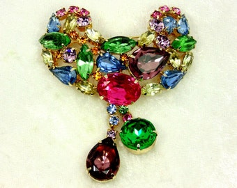 Vintage Domed Dangle Rhinestone Brooch