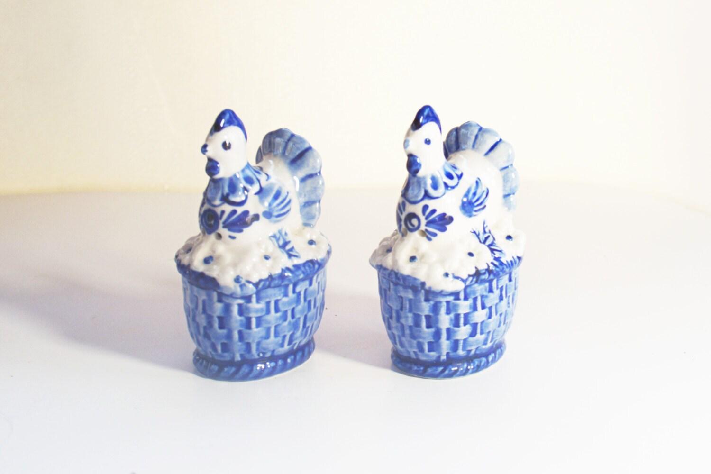 Porcelain Salt And Pepper Shakers Vintage Chicken Shaker Set