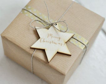 """Wooden christmas tag - star with engraving """"Merry Christmas"""" - christmas packaging - gift tag - natural wood - engraved wording"""
