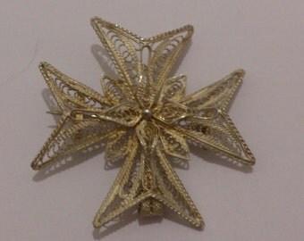 Vintage sterling silver filligree brooch