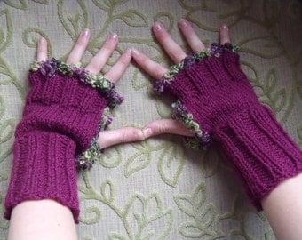 Bordeaux red fingerless gloves