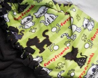 Cat No-Sew Fleece Blanket